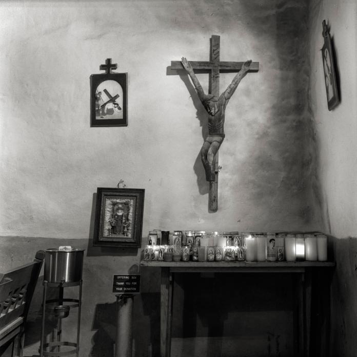 Interior, Santuario de Chimayo